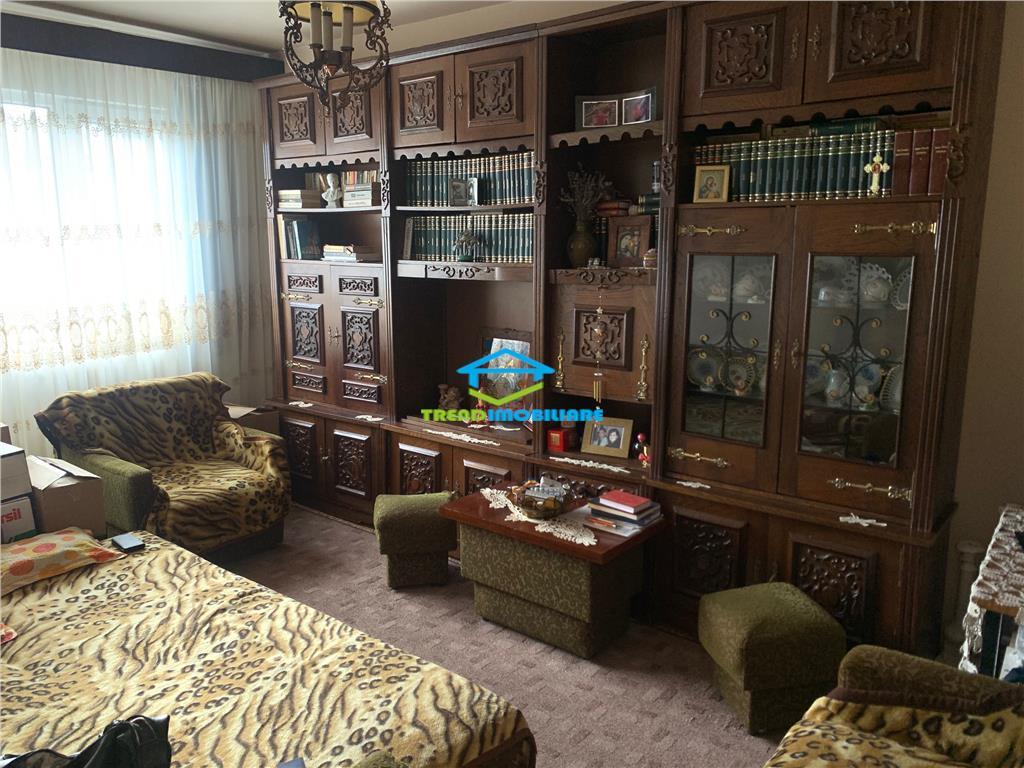 Apartament 4 Camere Manastur Decomandat 79 mp cu parcare