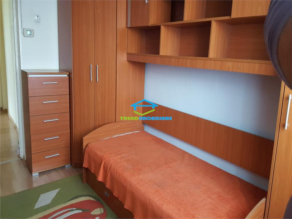 Apartament cu 3 camere DECOMANDAT de INCHIRIAT strada Mehedinti  MANASTUR