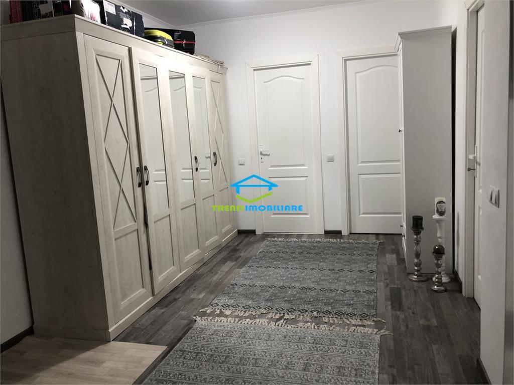 Apartament 3 camere, Zona Vivo