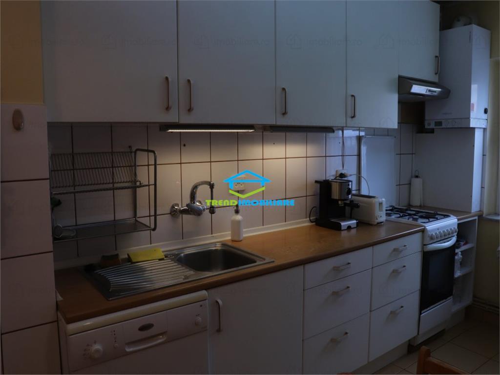 Apartament 4 camere  DECOMANDAT  Manastur Etaj Intermediar