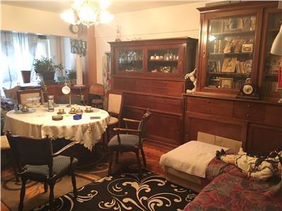 Apartament 3 cam- Dorobantilor, decomandat et.1 cu boxa