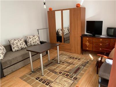Apartament cu 1 camera, Zona CENTRALA, Parcare INCLUSA, 39mp