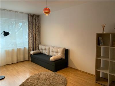 Apartament cu 2 camere decomandate - strada Meteor - loc de parcare
