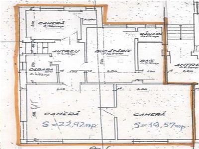 Apartament cu 3 camere - curte - zona Andrei Muresanu