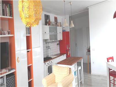 Apartament 3 camere - Zona VIVO - MODERN - Strada Razoare