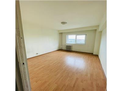 Apartament 2 camere decomandate, etaj intermediar in cartierul Marasti.