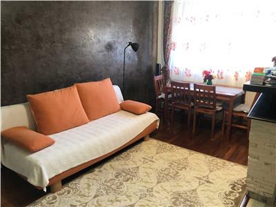 Apartament 2 camere cu parcare, pe strada privata in Buna Ziua.