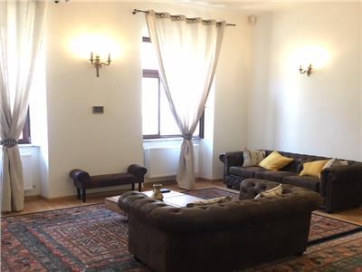 Apartament cu 3 camere 68mp + mansarda 60mp - Catedrala Catolica - ultracentral